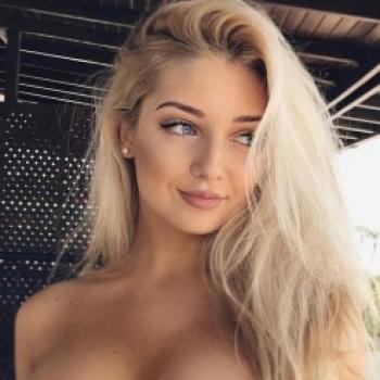 Natasha Nik