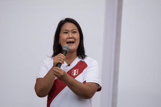 © Bloomberg. Keiko Fujimori, presidential candidate of the Popular Force party, speaks during a campaign event outside a women's prison in Lima, Peru, on Saturday, May 15, 2021.