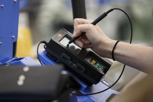 U.S. Consumer Credit Growth Slows as Credit Card Balances Shrink