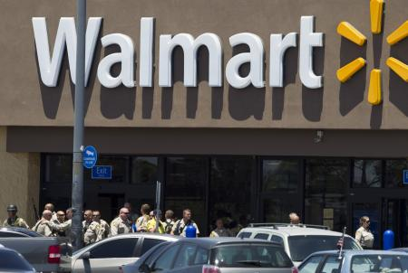 Walmart to offer low cost checking accounts by international