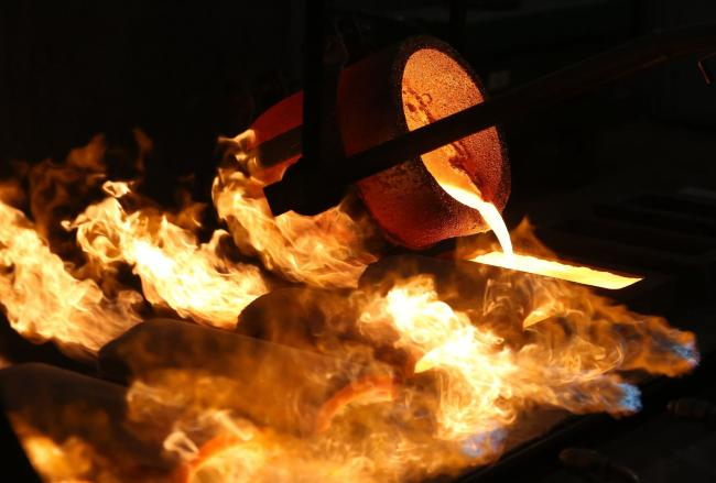 Gold Drops Toward $1,700 as Economies Show Signs of Restarting
