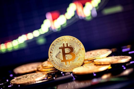 Bitcoin (BTC) Struggles to Maintain $10,000, Falls to $9,500 Support