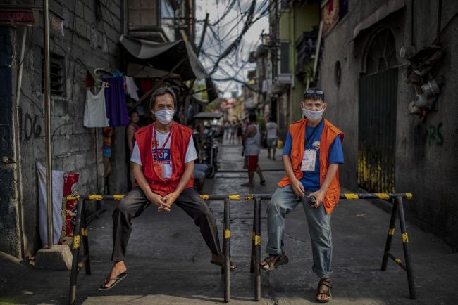 Philippines Plans VillageLockdowns in Bid toContain Virus