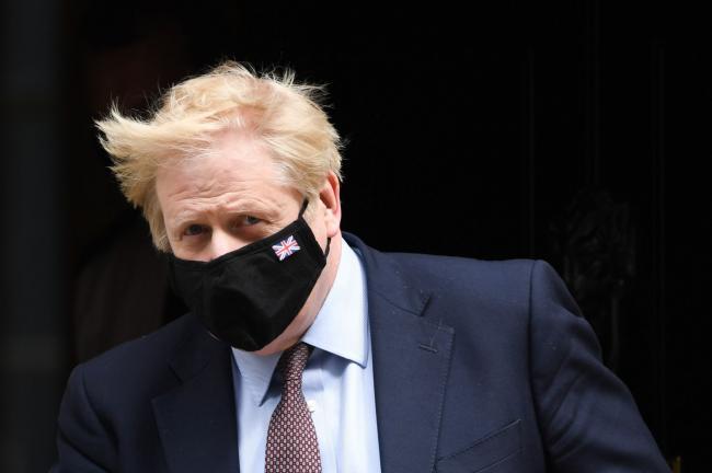 Johnson Savaged Over U.K. Covid Failings by Ex-Aide Cummings