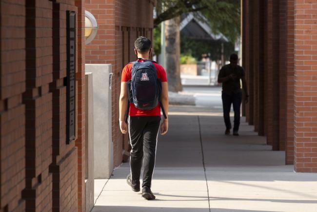 Covid Risk, Online Classes Spur Drop in U.S. College Enrollments